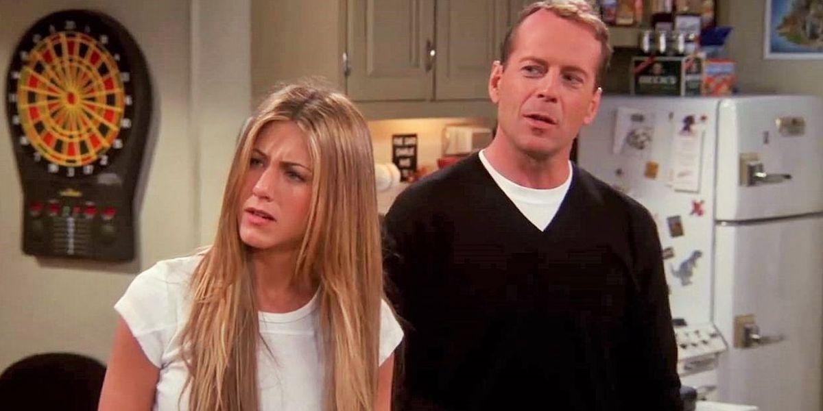 Bruce Willis Jennifer Aniston on the set of Friends